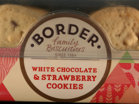 White Chocolate & Strawberry Cookies Border